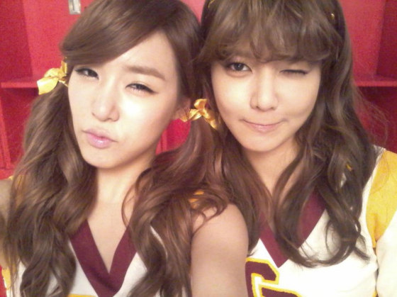 tiffany_and_sooyoung_selca-10265
